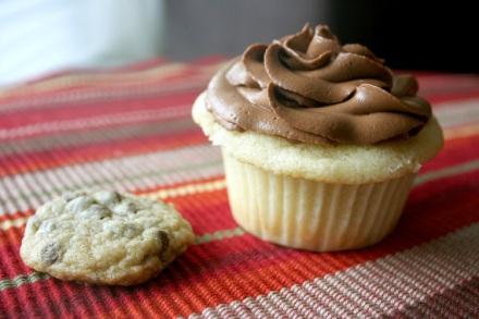 Cupcake + Cookie