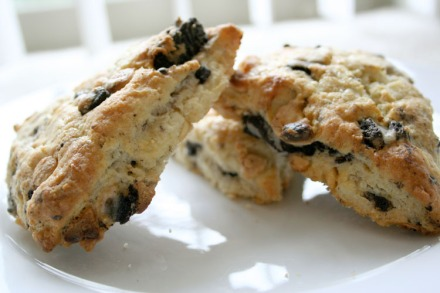 Cookies 'n Cream Scones