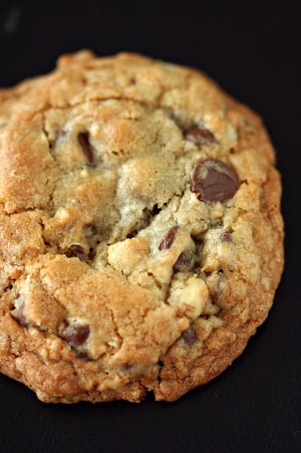 DoubleTree Hotel Chocolate Chip Cookies | Amandeleine