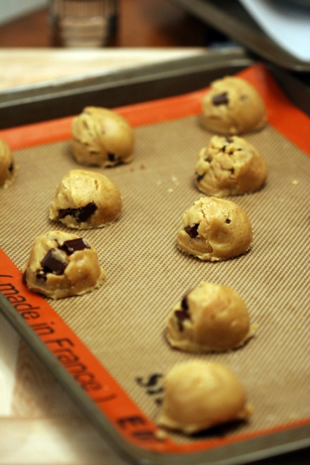 Browned Butter Toasted Coconut Chocolate Chip Cookies - Amandeleine