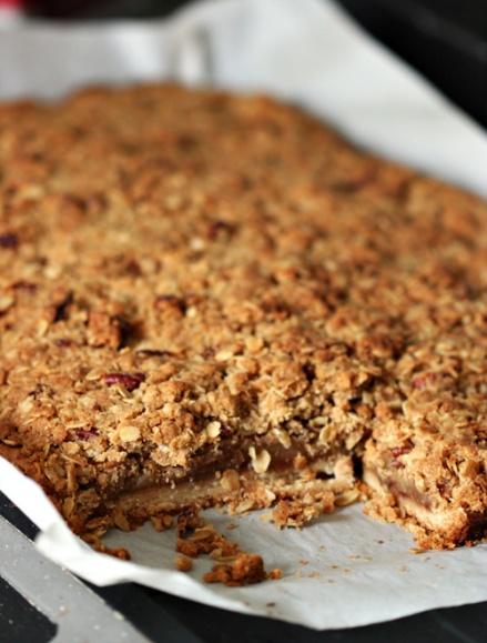 Dutch Apple Pie Bars  |  Amandeleine