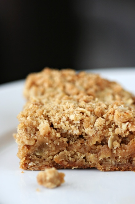 Spiced Oat Pear Blondie  |  Amandeleine
