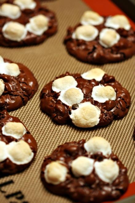 Rocky Road Cookies  |  Amandeleine