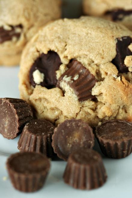 Reese's Peanut Butter Cookie     Amandeleine