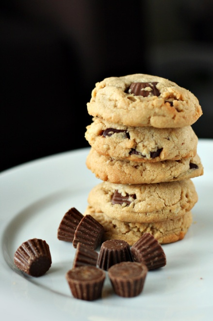 Reese's Peanut Butter Cookies  |  Amandeleine