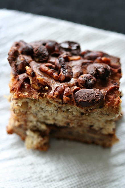 Banana Chocolate Walnut Cake  |  Amandeleine