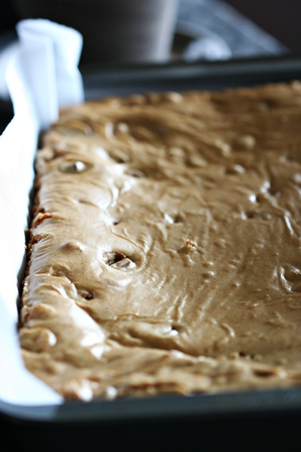 Kit Kat Blondies  |  Amandeleine