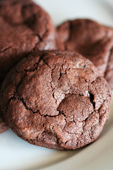 Mexican Chocolate Chili Cookies  |  Amandeleine