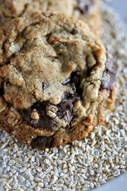 Peanut-Pecan Butter Oatmal Cookies  |  Amandeleine