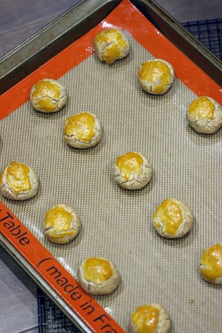 Chinese Almond Cookies  |  Amandeleine