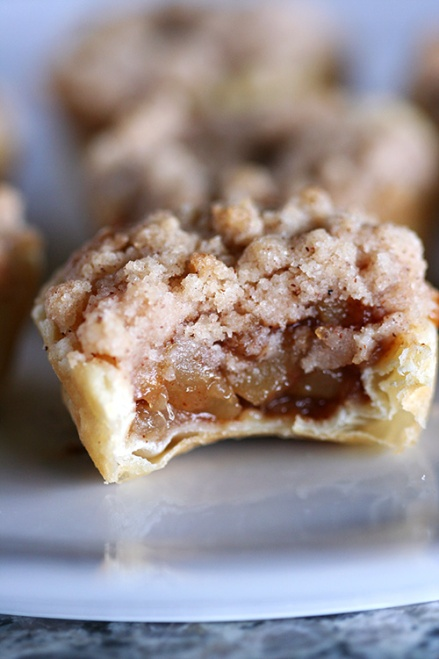 Caramel Pear Mini Pies | Amandeleine