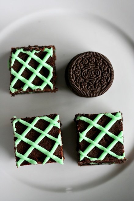 Mint Oreo Brownies | Amandeleine